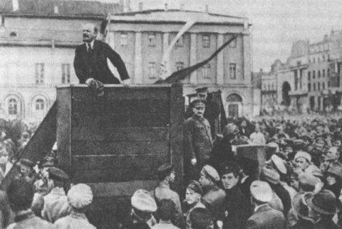 42519_Lenin_TrotzkiOriginal