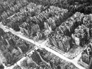 796px-Hamburg_after_the_1943_bombing